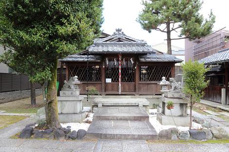 Sainokaminoyasiro1601052
