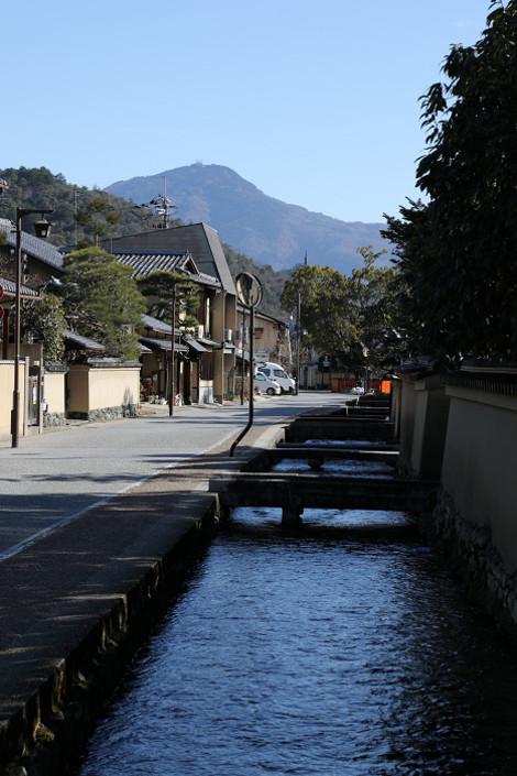 Kamigamosyakemati1701135